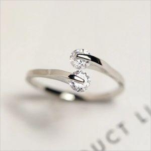 Jewelry - Dainty Rhinestone Ring